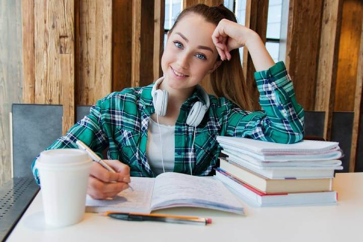 Homework Study Tips: How to Use the Power of the Internet