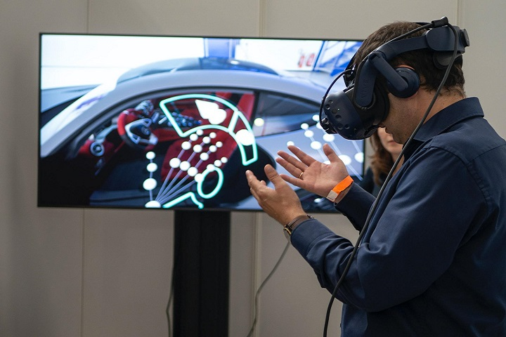 AR and VR Can Improve Customer Experience